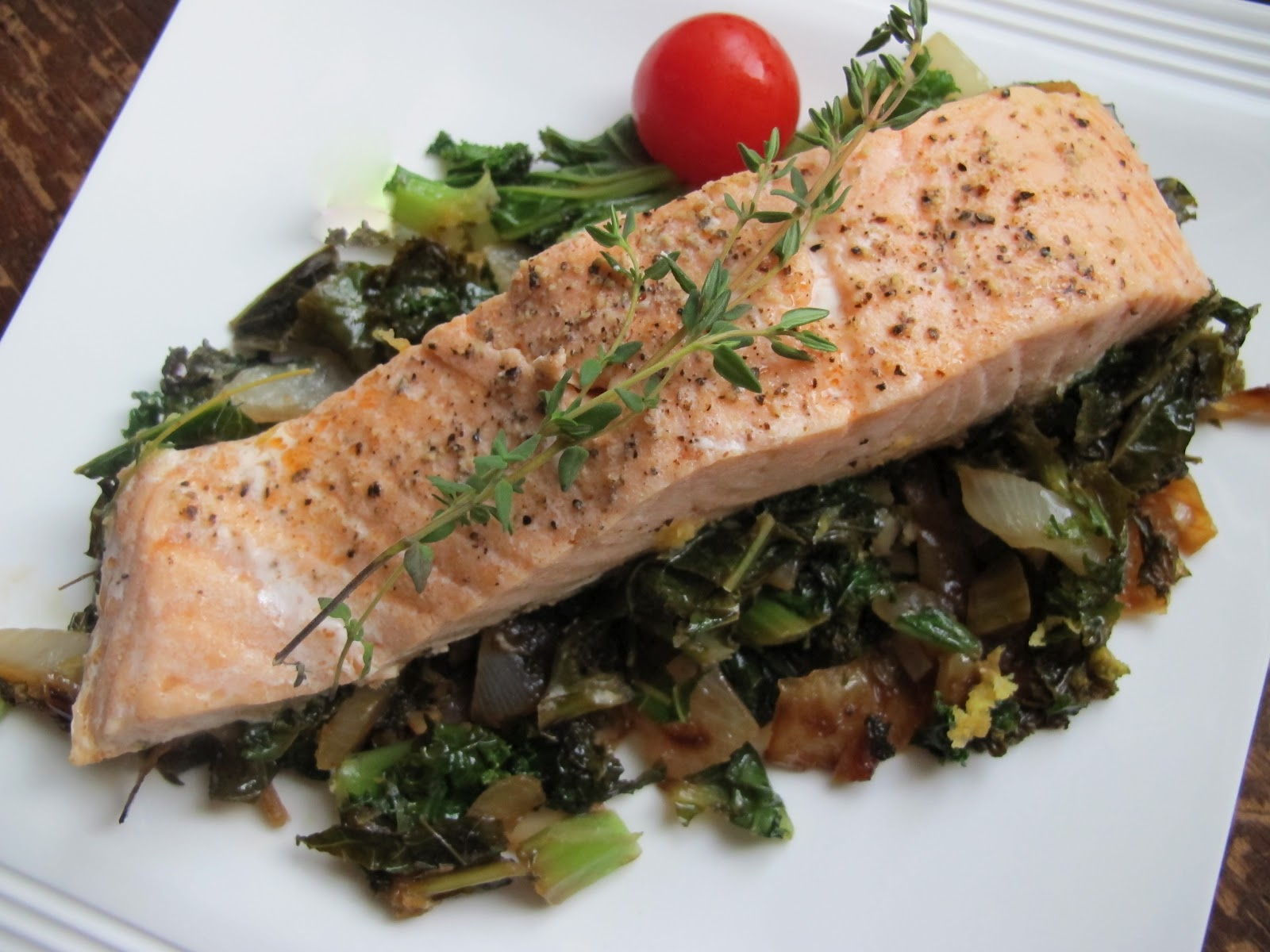 Salmon with Kale and Cherry Tomatoes