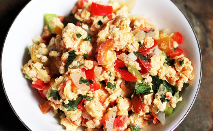 Tunisian Egg Scramble with Golden Raisins and Paprika