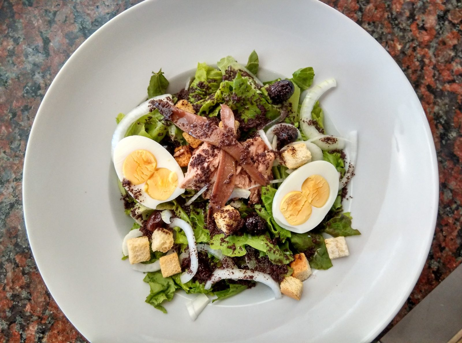 Grilled Tuna Nicoise with Tarragon Mesclun